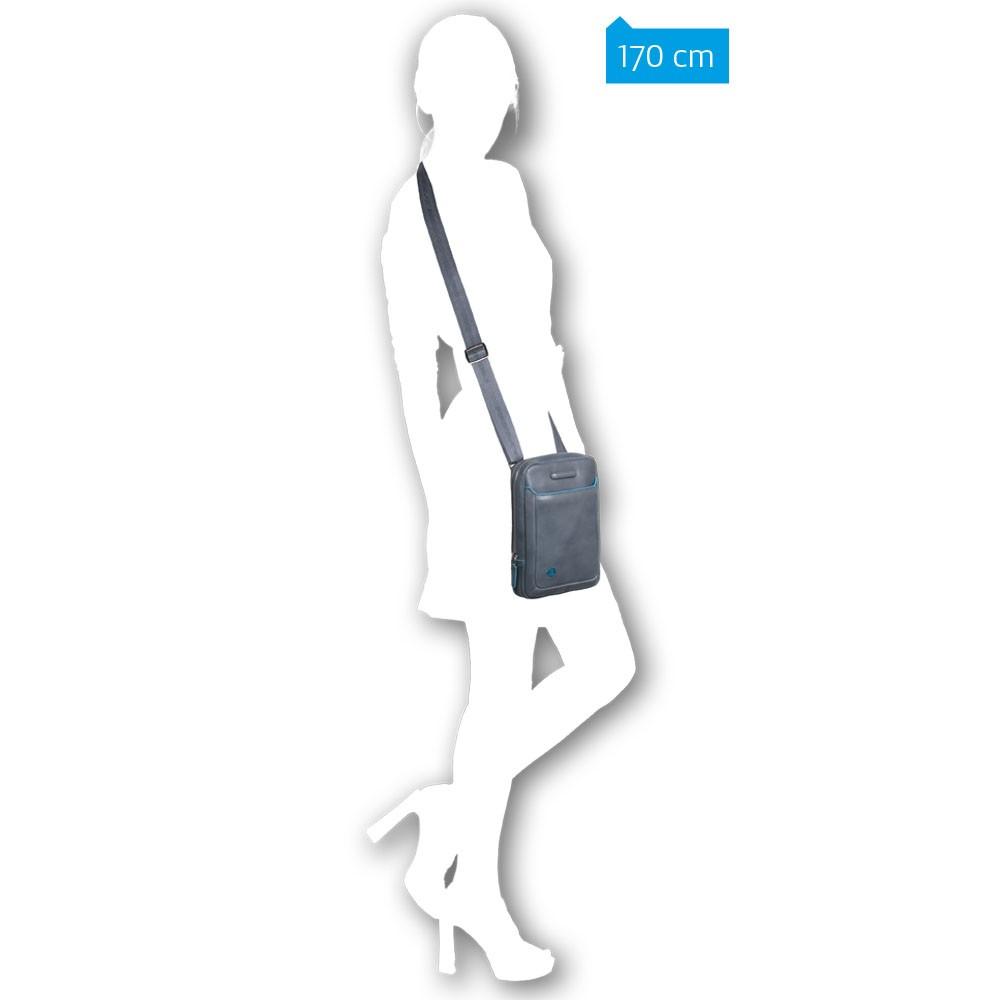 f9ee35366b Borsello Piquadro in pelle organizzato porta iPad mini Blue Square ...